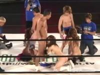 【無修正】狂熱の男VS女プロレス!!観客の前で公開羞恥SEXに発展w
