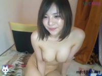 【無修正 ライブチャット】清純派巨乳素人がオナニー!!マン汁ドバドバ!!