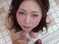 【無修正】脱毛マンコに濃いのを中出しされる小ぶり乳の美尻人妻