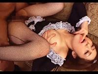 【無修正】住みこみのお色気メイドがお客様にセクハラされて性処理