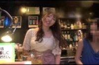 【ss美女】ガールズバーの美少女と….