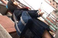 偶然発見した発育の良い巨乳JKを背後からオッパイ揉み痴漢レイプ!