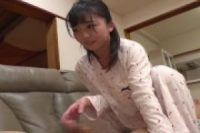 父親と娘のイケナイ遊び、お風呂上りに娘が欲求不満で父親を誘う!!小さな体の娘を舐めまわして巨根を挿入w