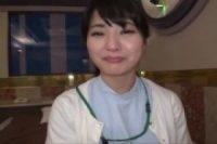 【素人】激カワ美人歯科衛生士が四つん這いでスジマン丸見え状態の生フェラ