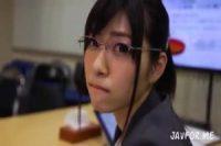 「ねぇ‥あの‥」眼鏡の似合う美女OLと→♡