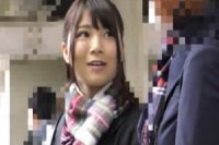 隠しカメラで撮りながら電車に乗った所で少女の背後を取り‥