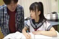 大きな瞳で見つめてくるポニテの美少女JKと家庭教師のブサ男が→wwwwwwwwwwww