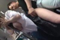 発育の良い巨乳制服JKが満員バスで変態男に揉みしだかれて生ハメレイプ