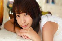 19歳、10年に1人の天然ピュア美少女が男優さんとはじめてのエッチ 八木奈々