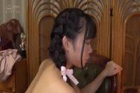 おさげ髪のロリっ子少女のキツキツマ〇コをバックからガン突きする!!