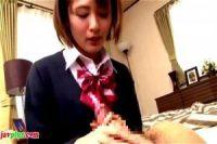 姉のカレシの勃起したチンコをクリに当てて感じちゃうドスケベ女子高生