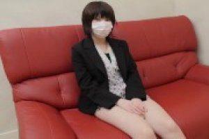 【無修正】まや18歳 小柄激カワ処女の初めての挿入チンポはナマチンポ膣内射精懇願