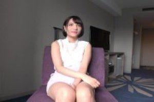 リサ 20歳 専門学生 超S級ハーフ顔の美少女